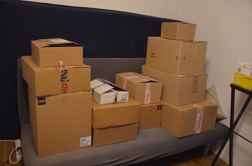Investition von knapp 1.500€ in Lego. So sieht es aus, wenn die Pakete kommen. Es handelt sich um 11 verschiedene Sets aus dem May the 4th Event.