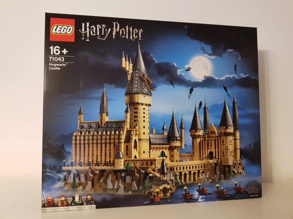 Das Lego Schloss Hogwarts wird bei Sammlern sicherlich direkt nach Produktionsende sofort sehr beliebt werden. Daher ist es wichtig sich dieses jetzt schon ins Lager zu legen für den Wiederverkauf.