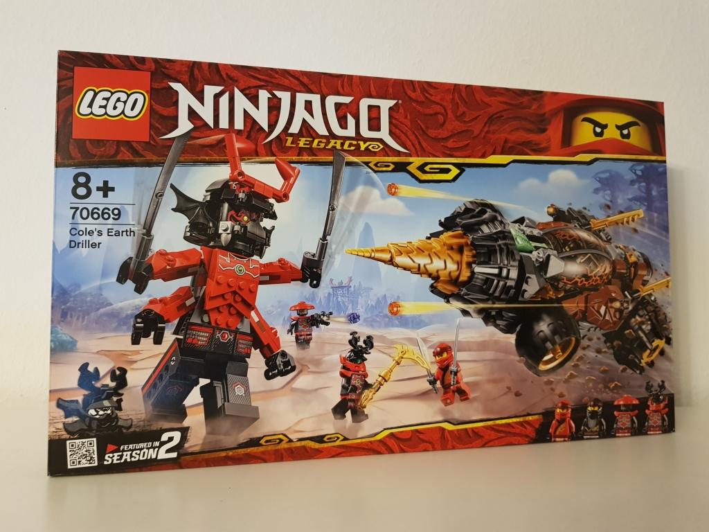 Eigentlich wird das Set schon nicht mehr hergestellt. Trotzdem habe ich mit dem Lego Ninjago Coles Powerbohrer einen guten Rabatt erwischt und konnte es direkt wieder bei Ebay verkaufen.