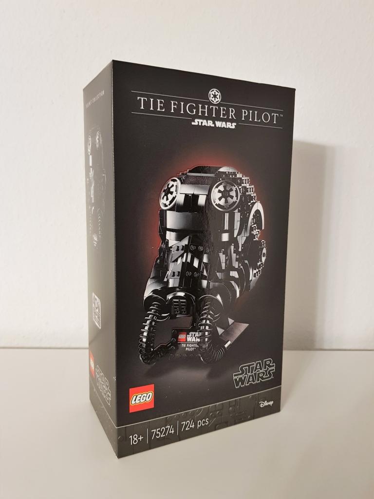 Lego Tie Fighter Piloten Helm. Es gab gute Rabatte. Das Reselling dieses Helmes wird einfach sein.